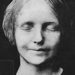 心肺蘇生法のダミー人形となった少女「アン」の遺体の謎